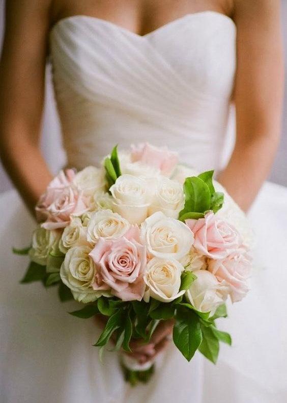 Букеты невесты из пионовидных роз