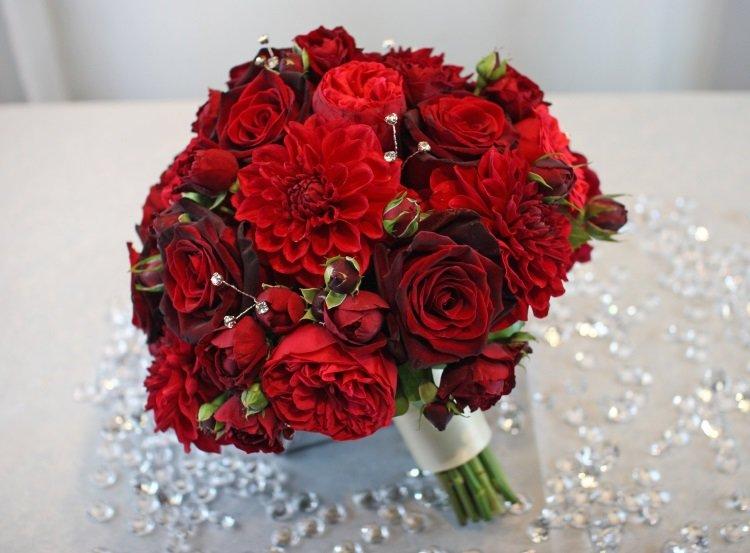 Состав свадебный букет розы и алые, доставка