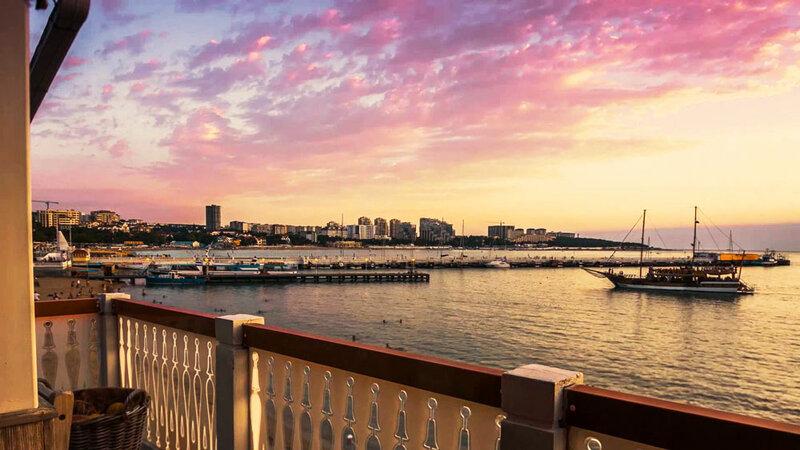 Куда поехать на море летом? Все лучшие направления и недорогие туры, курорты России с ценами на путевки от 19 тыс. на двоих. Туры заграницу от 34 тыс.