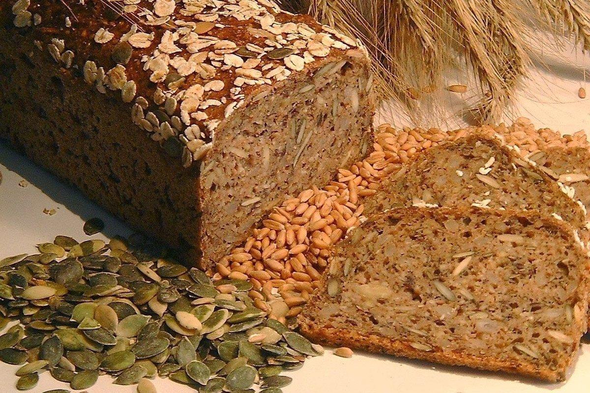 Содержат такие хлебцы повышенное количество клетчатки и витаминов.