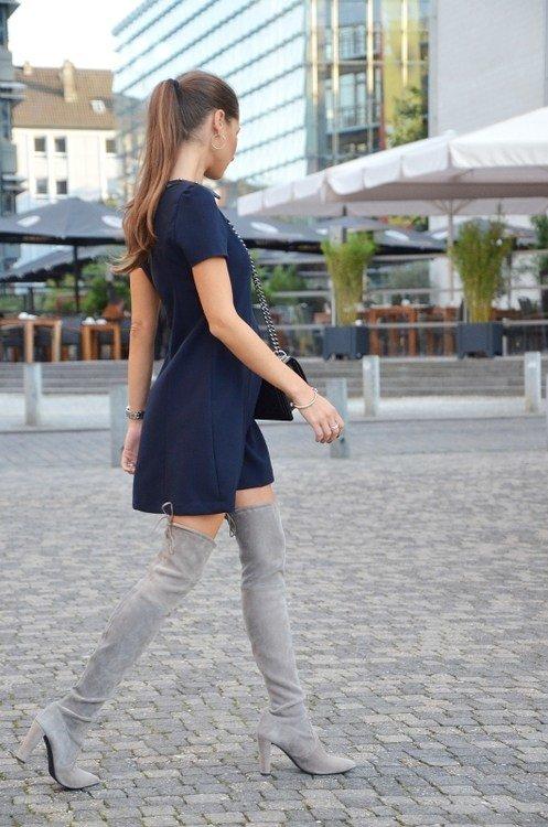 поделиться своими синее платье с серыми сапогами фото ягоды используются