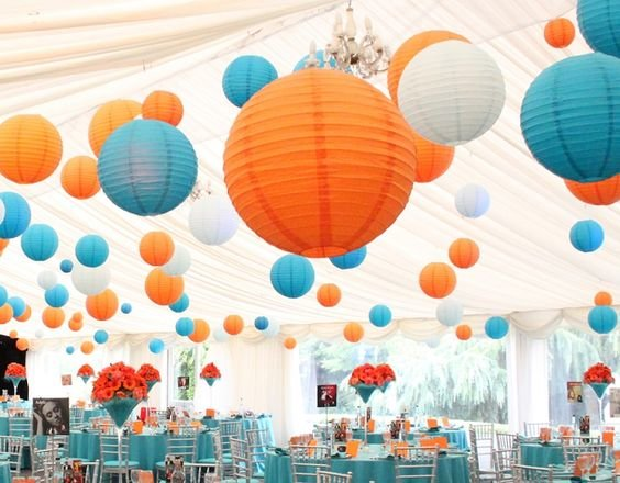 Оранжевые шары на свадьбу фото