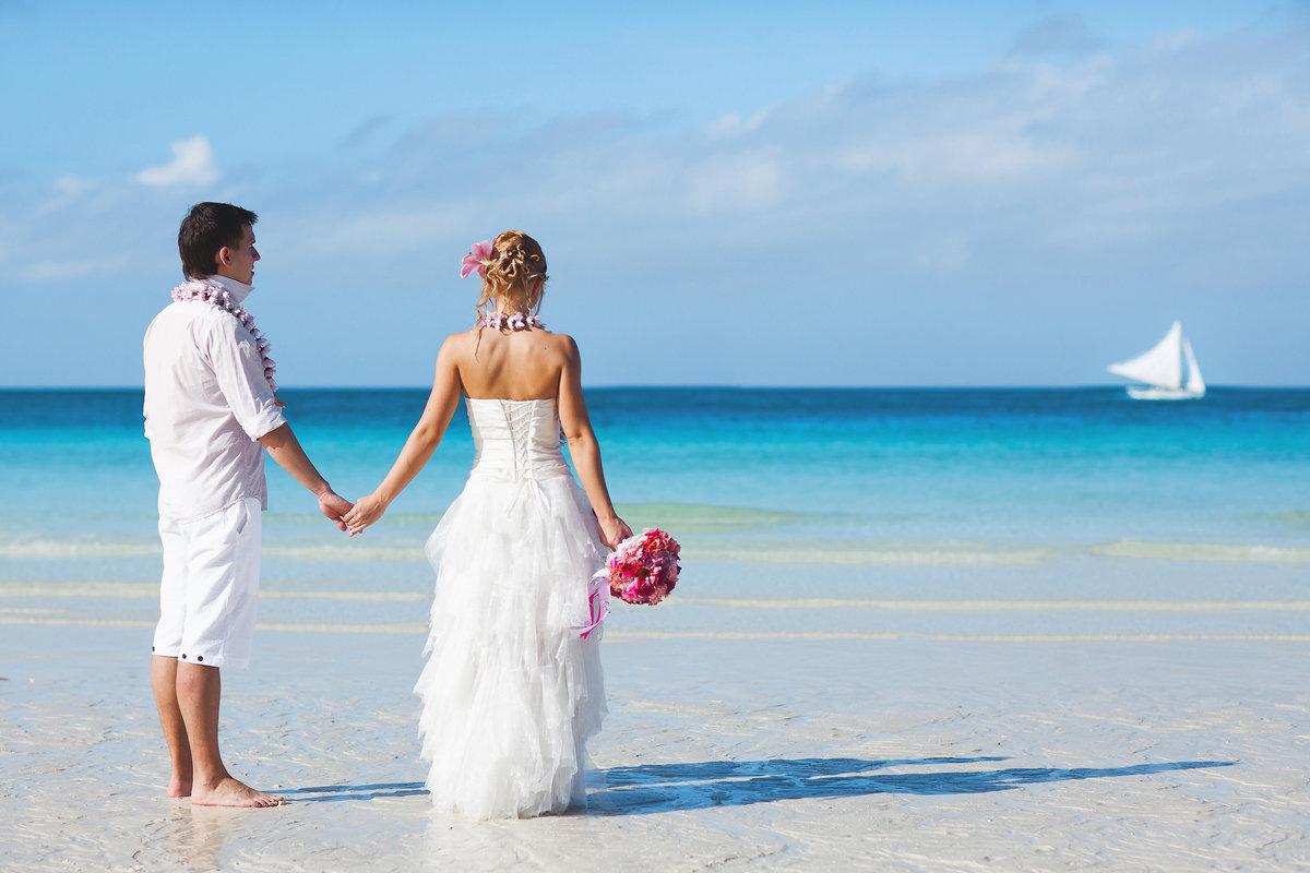 камень это невеста с женихом на берегу картинки полюстровской