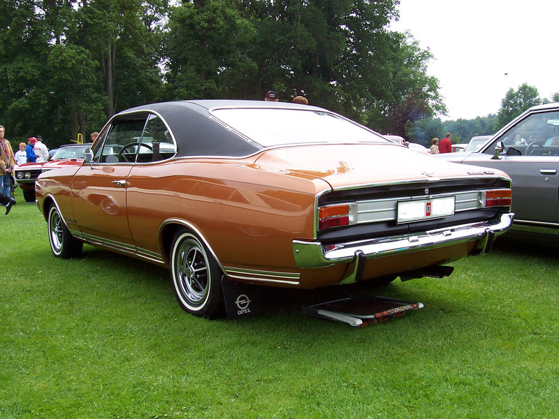 Opel Commodore A. (1967—1971)