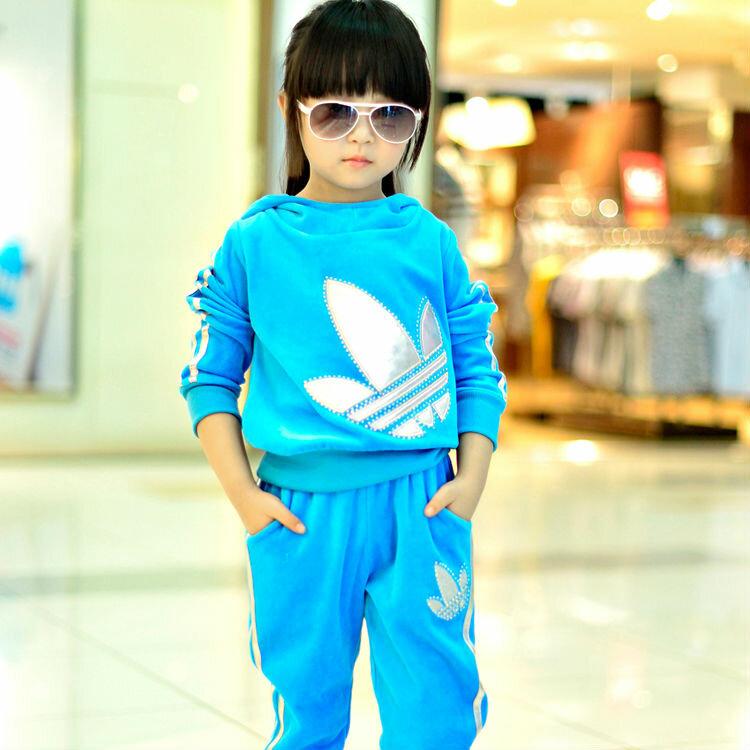 """Спортивный костюм для девочки """"Адидас"""""""