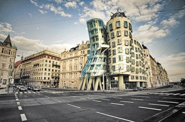 Фотографии самых необычных зданий коВсемирному дню архитектуры