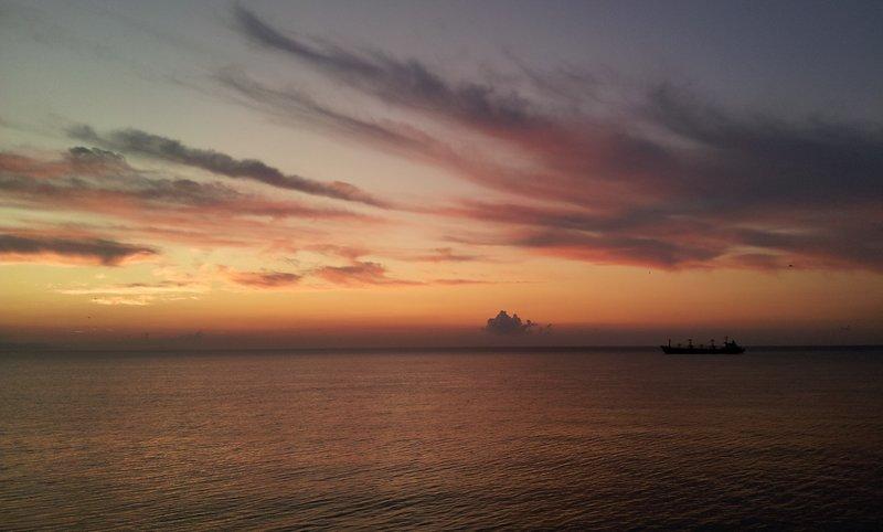 рыбаки встречают рассвет