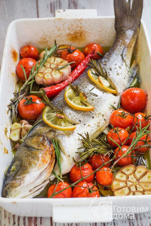 Рецепт Сибас, запеченный с помидорами и чесноком