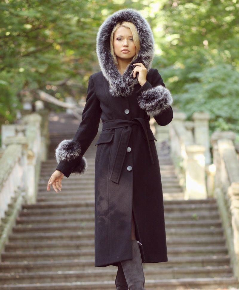 Красивое женское пальто на зиму