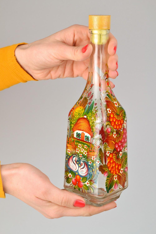 Картинки наполняют бутылки