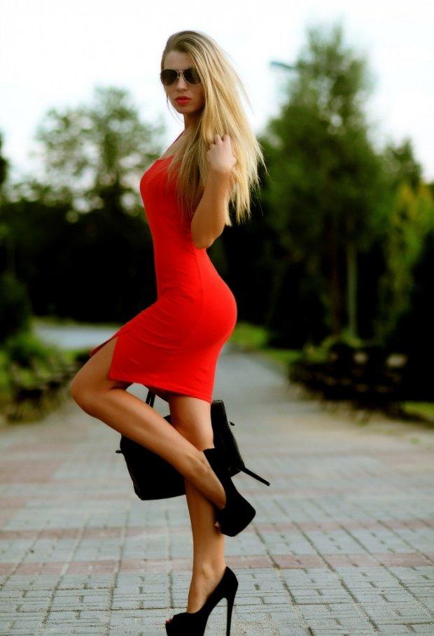 Фотки красивых женщин на шпильках сзади — img 4