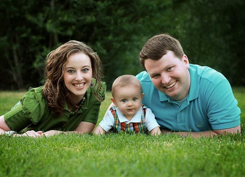 семейная фотосъемка на природе идет рынок