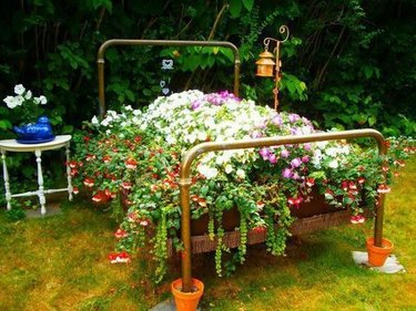 садовая скамья декор сада