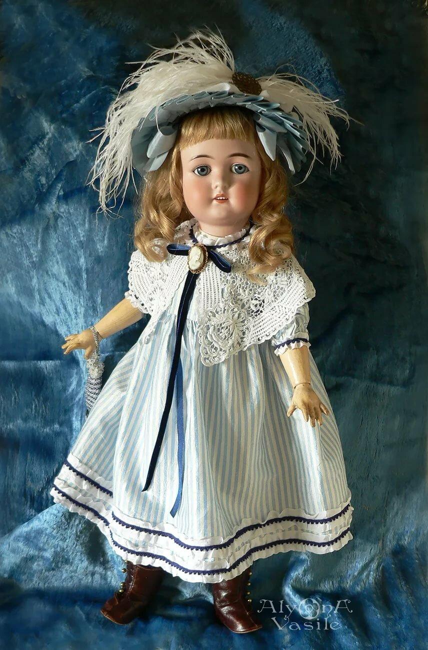 кукла старых времен