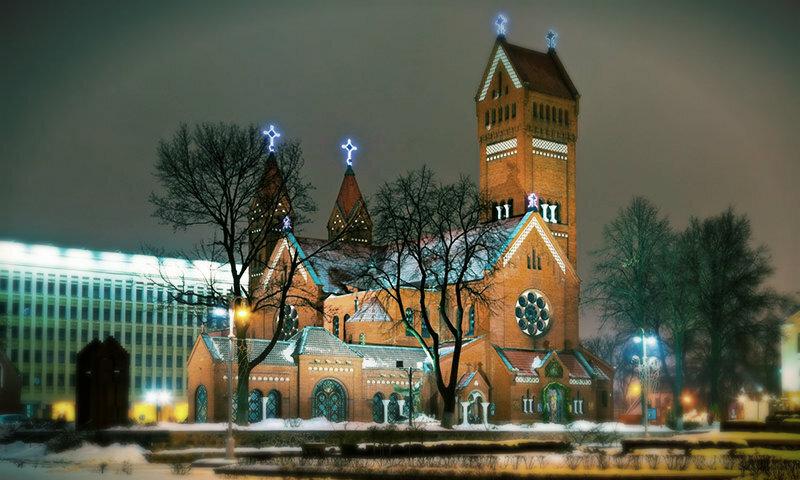 Достопримечательности на Новый год, католический храм.