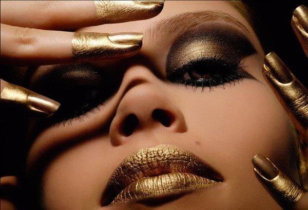 Такой макияж не сложен в выполнении, но дает восхитительный результат!