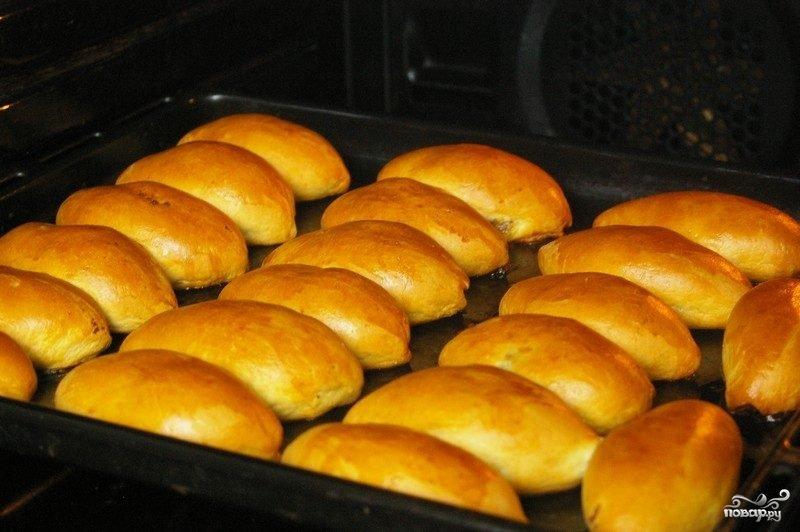 испечь пирожки с капустой в духовке