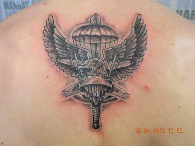 телефоны значение военных татуировок военно-воздушных сил на левом плече комплекс