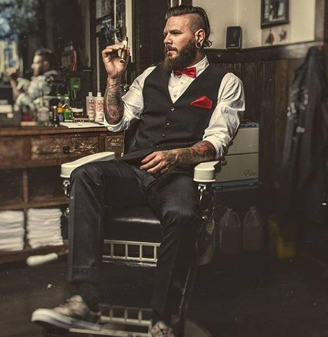 fashioned mens barber shop - 640×658