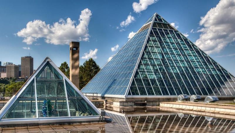 теплица в форме пирамиды