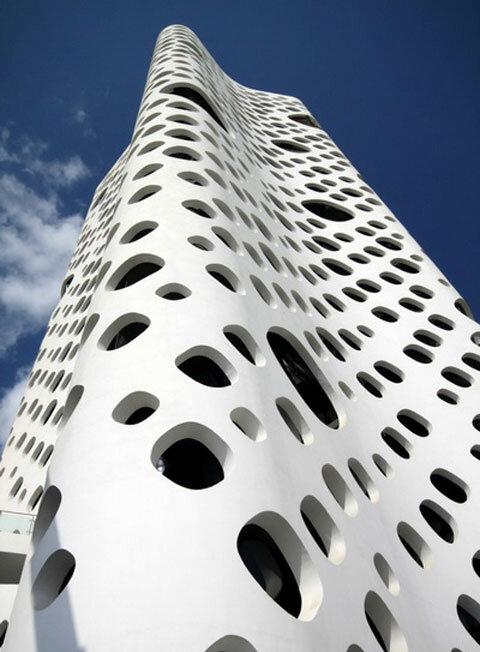 Дубаи - мир архитектурных новаций!, Дубаи, архитектура Дубаи ... Дубаи уже успел прославиться своими высочайшими небоскребами и башнями, необыкновенными подводными и надводными строениями. А в данный момент заканчивается ...