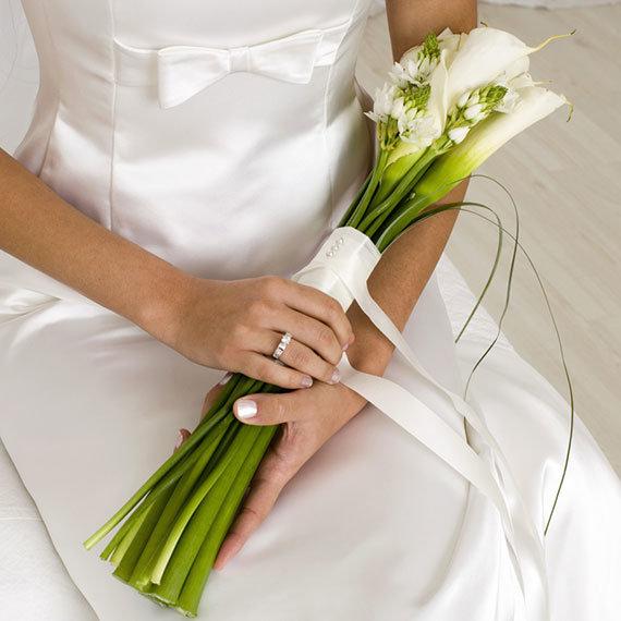 Букет ландышей, длинные букеты невесты