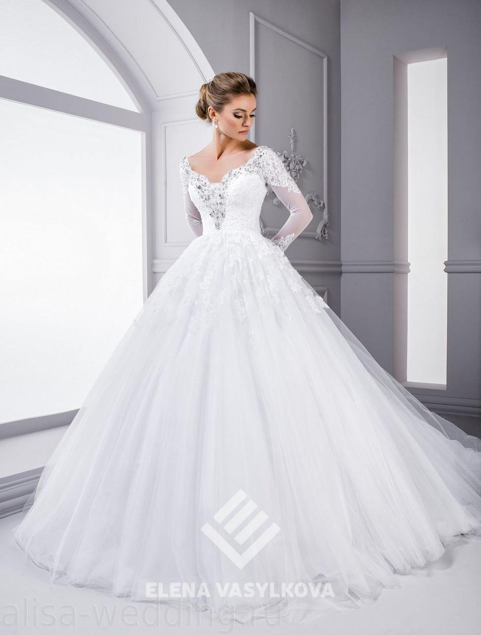884662eb2c85cb6 ... Пышное свадебное платье с кружевными рукавами и красивым декольте