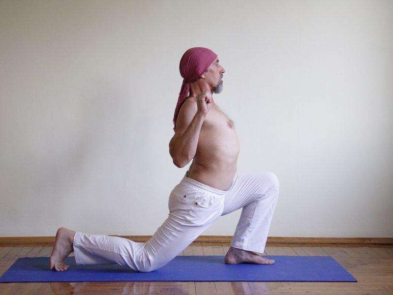 легкая поза йоги