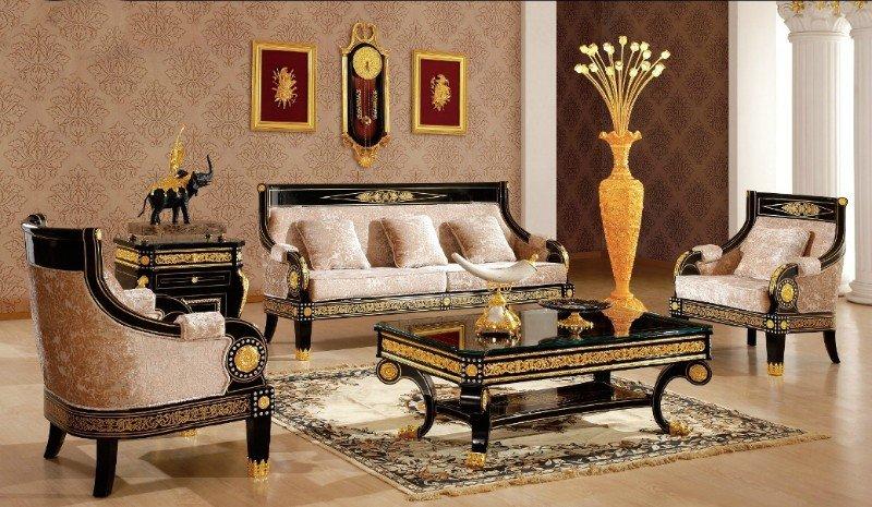 Сочетание роскоши и сдержанности в интерьере комнаты