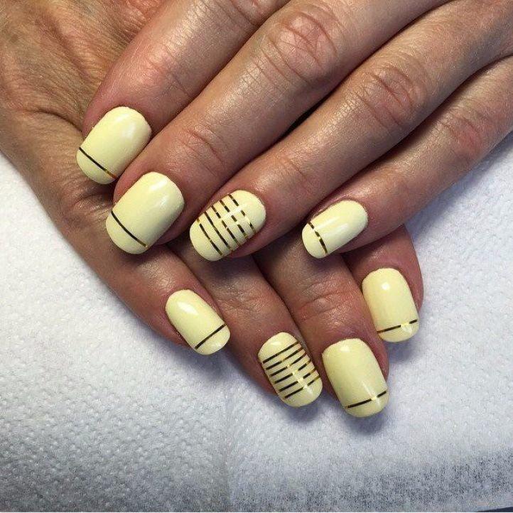 Дизайн ногтей с металлическими полосками