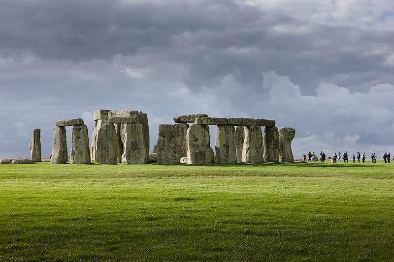 an overview of the megaliths and the concept of stonehenge in england Stonehenge: stonehenge, prehistoric stone circle monument, cemetery, and archaeological site located on salisbury plain, about 8 miles (13 km) north of salisbury, wiltshire, england.
