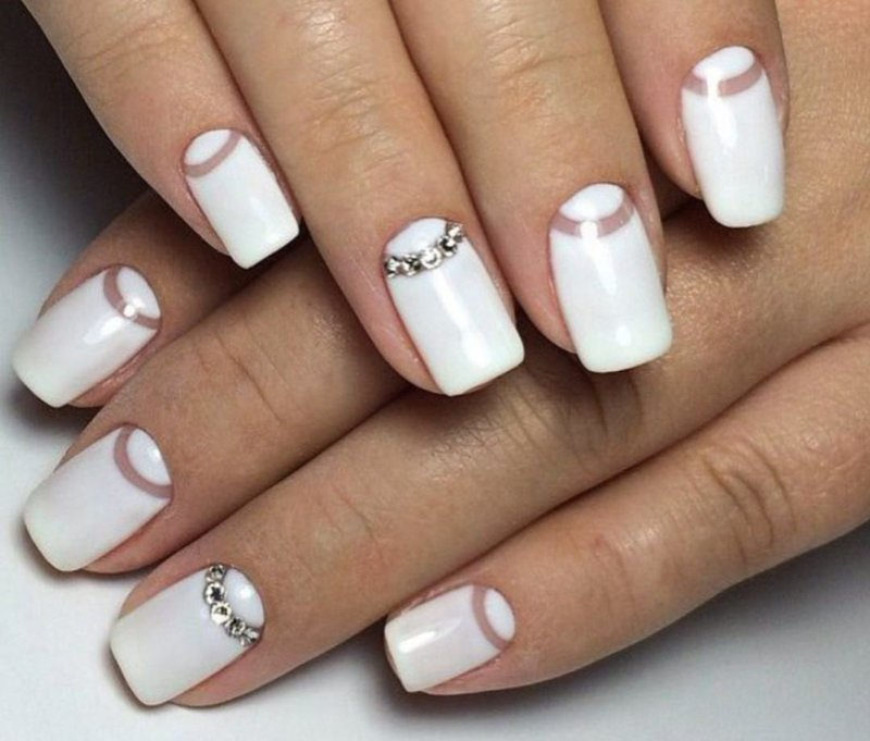 Фото дизайн ногтей с белым цветом