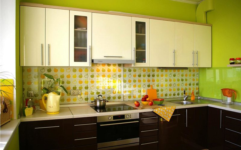 кухни в зелёных тонах фото
