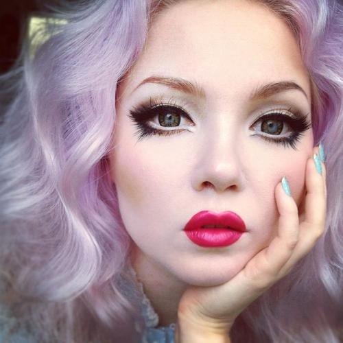Как сделать кукольным макияж своими руками. Секреты кукольного макияжа дома. Примеры в фотографиях. Описание правил красивого кукольного макияжа самостоятельно.