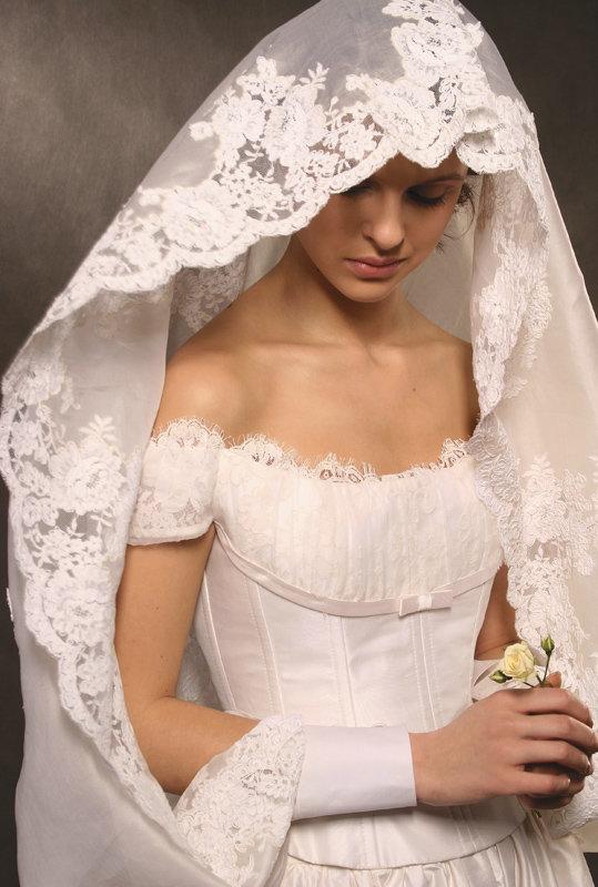 накидки вместо фаты для венчания фото современного