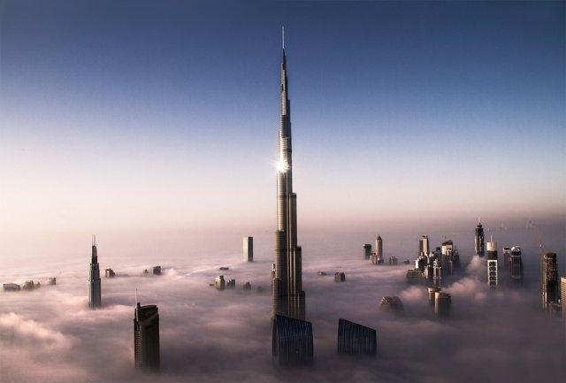 Дубай над облаками