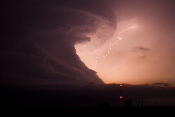 Грозы. Молнии. Торнадо. 17 Фото 2011 года