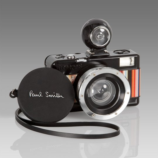 Ломо-камера от Paul Smith с широкоугольным объективом