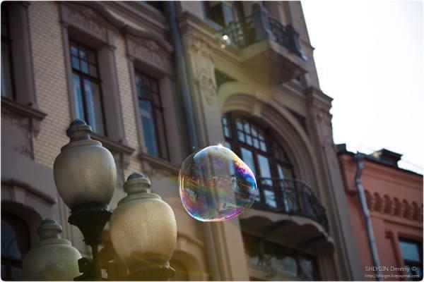 Мыльный пузырь в городе