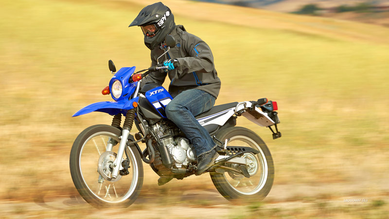 Обои на рабочий стол мотоциклы Yamaha