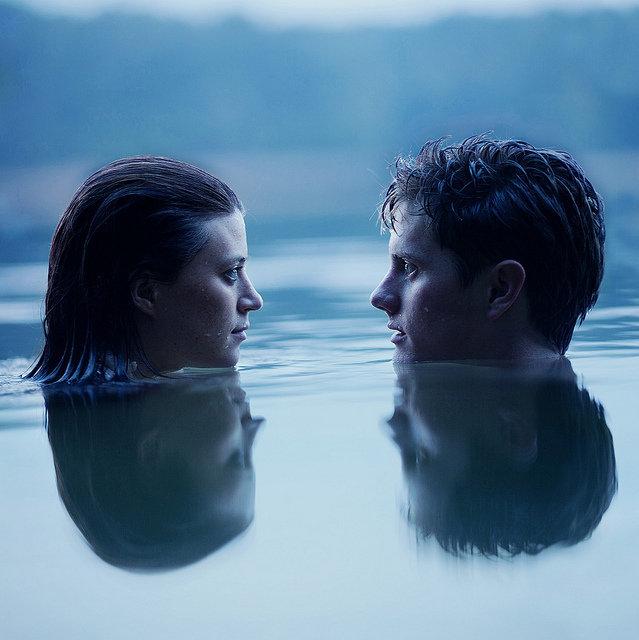 Портрет пары в воде
