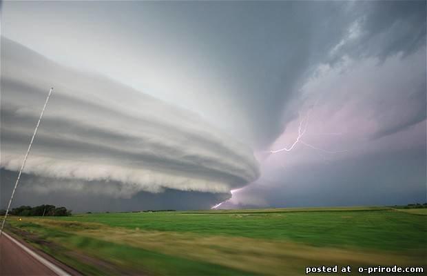 Ураганы и смерчи фото Chad Cowan's