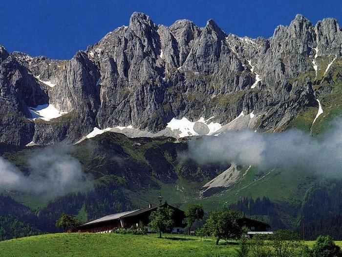 Высота Альп достигает 4 800 метров