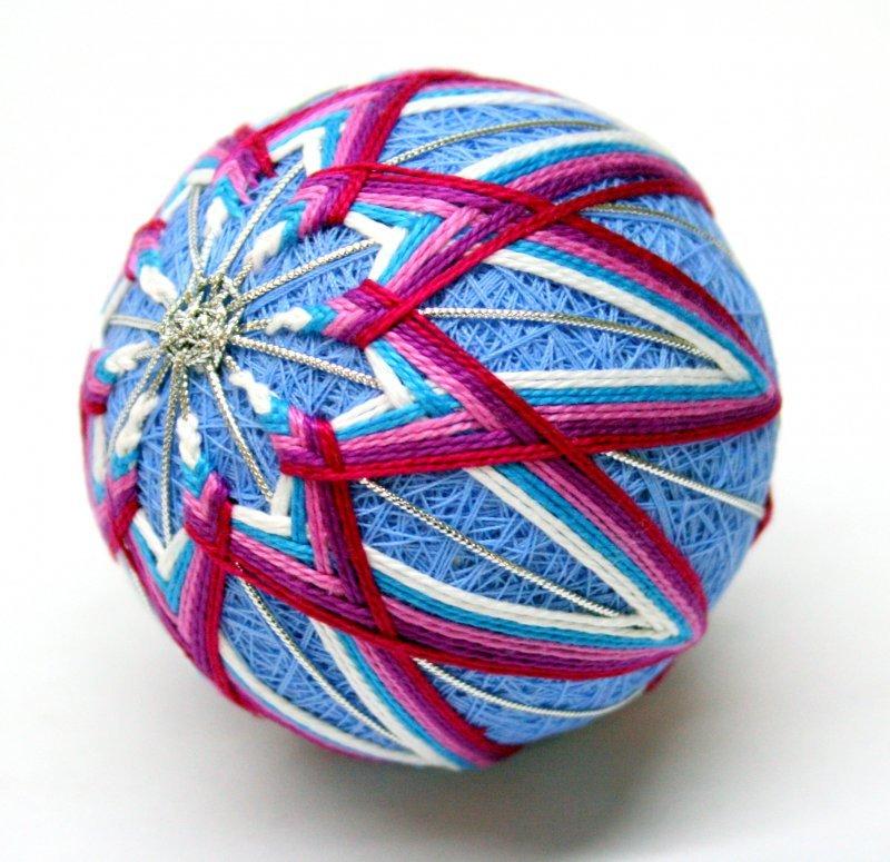 Темари - старинное японское искусство изготовления ярких шаров.