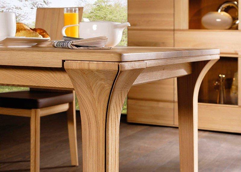 Обеденный стол можно смастерить своими руками, для этого в п.