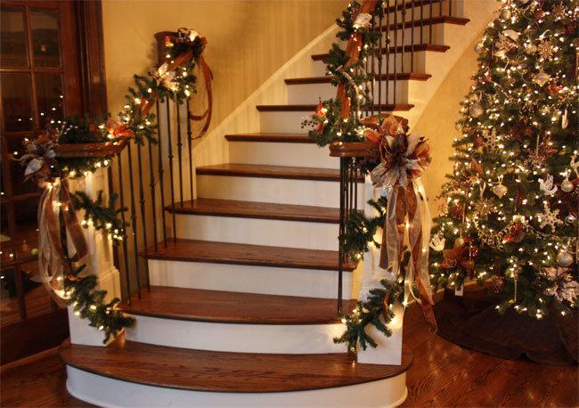 декор елкой перил лестницы