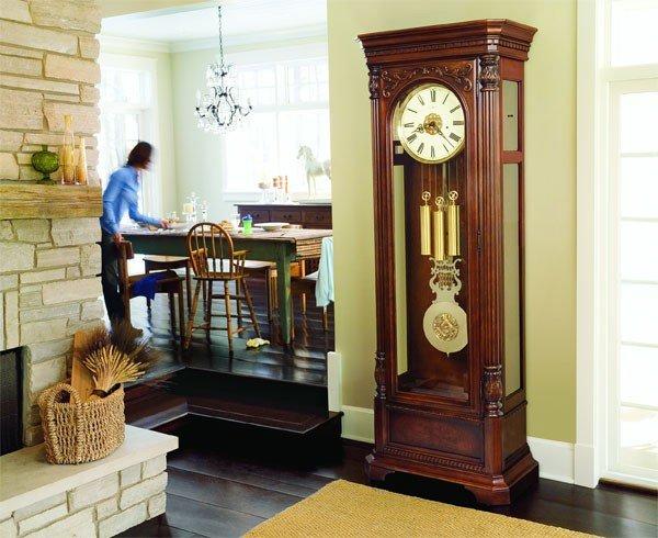 Фото напольных часов в интерьере гостиной