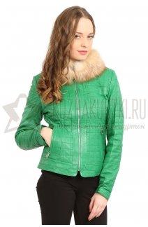 Фото Женская кожаная куртка зеленая с воротником из меха чернобурой лисы
