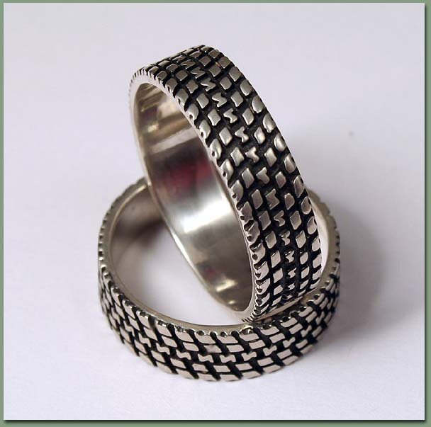 Кольцо серебряное Шина