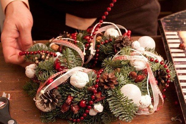 Мастер класс от Игоря Линника: рождественский венок своими руками ......